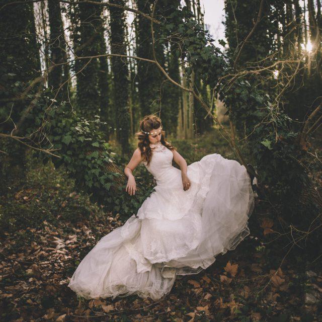 fotógrafo de bodas barcelona :: fotógrafo de bodas en el bosque :: postboda en el bosque :: boda en hostalrich :: bodas con encanto :: boda de ensueño :: fotografías naturales de boda :: fotógrafo natural de bodas :: country wedding :