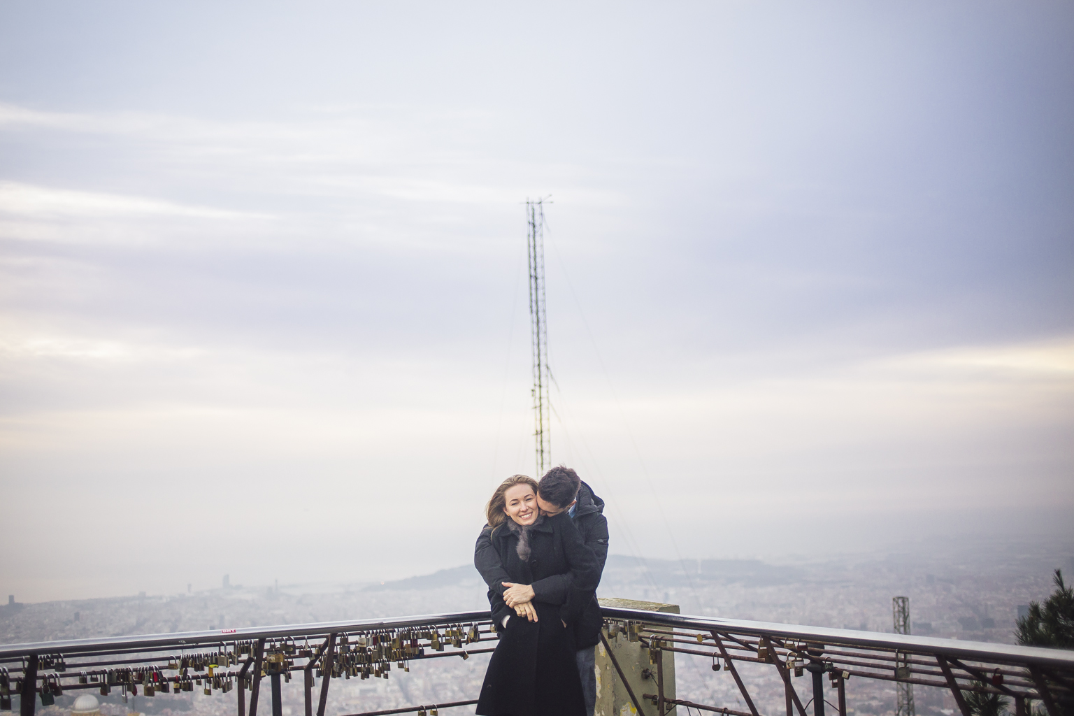 Preboda en Barcelona :: Save de date :: Fotógrafo romántico :: Fotógrafo de bodas Barcelona :: Fotógrafo de boda :: Fotografía de boda Barcelona :: Mirador de l'Arrabassada :: Reportaje de pareja romántico Barcelona :: Romatic Pictures Barcelona :: Romatic photographer :: Wedding photographer :: International wedding photographer :: Destination wedding photographer