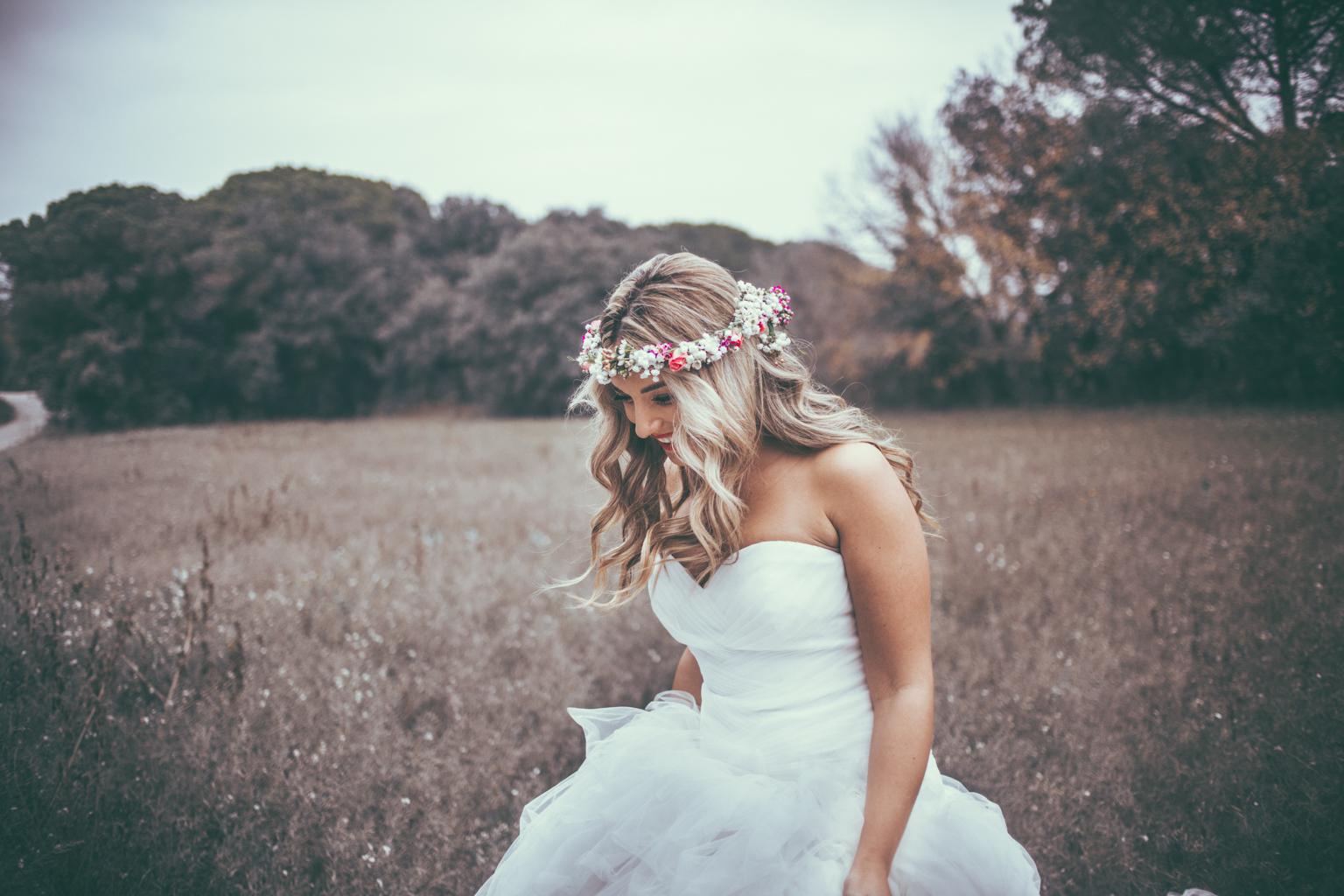 Fotógrafo de Postboda :: Fotógrafo romántico :: Boda de Invierno :: Corona de Flores :: Boda en el Campo :: Boda en familia :: Fotógrafo de boda :: Fotos de boda diferentes :: Postboda en el Campo :: Fotógrafo de bodas Barcelona