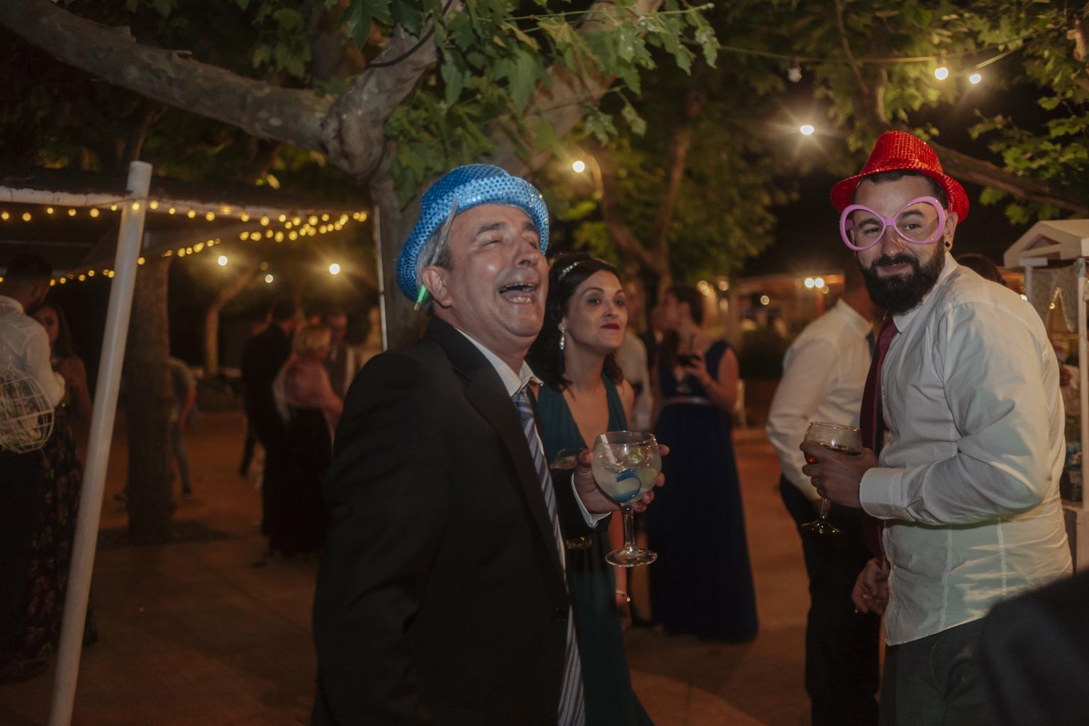 Barcelona wedding photographer :: Espai Can Pagés :: Boda en el campo :: Boda divertida :: Boda al atardecer
