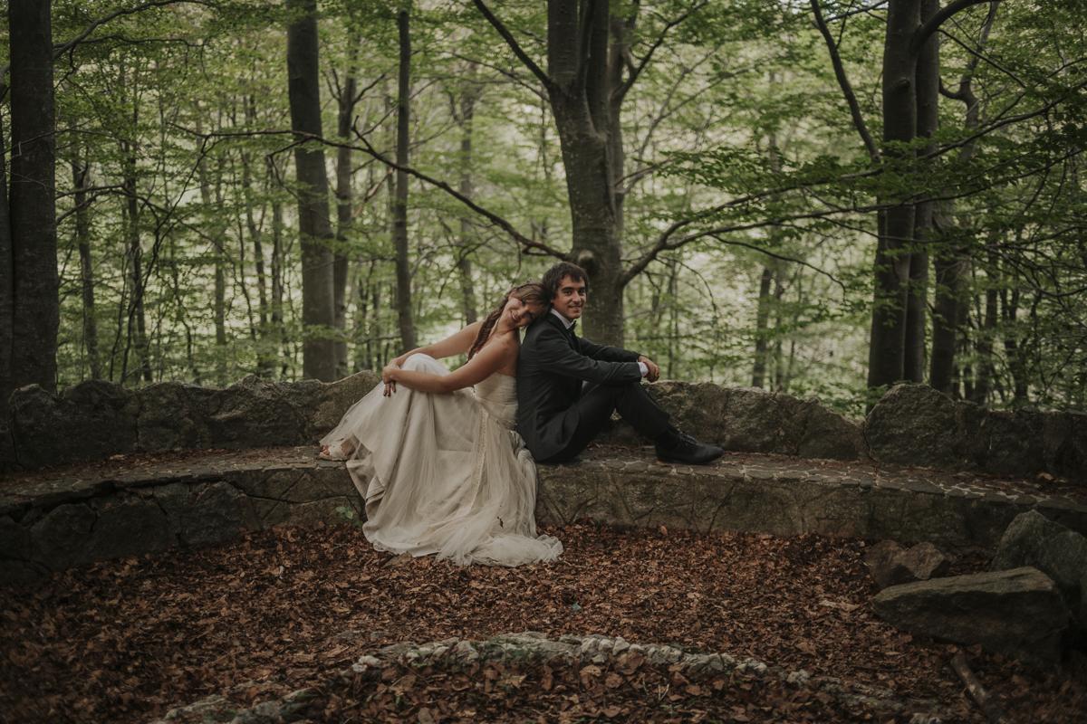 fotógrafo boda barcelona :: boda en el bosque :: Santa Fe del Montseny :: Postboda en el bosque :: Postoboda Barcelona :: Postboda romántica :: Barcelona trash the dress :: Trash the dress in the forest