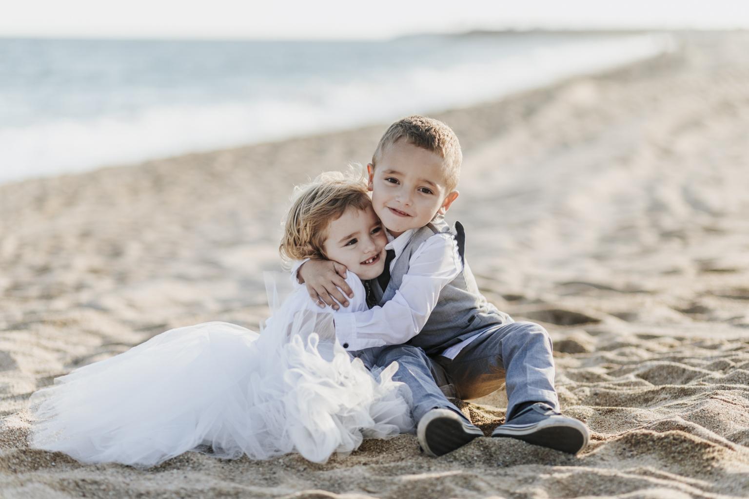 fotógrafo de boda barcelona :: postboda en mataró :: postboda en la playa :: barcelona trash the dress