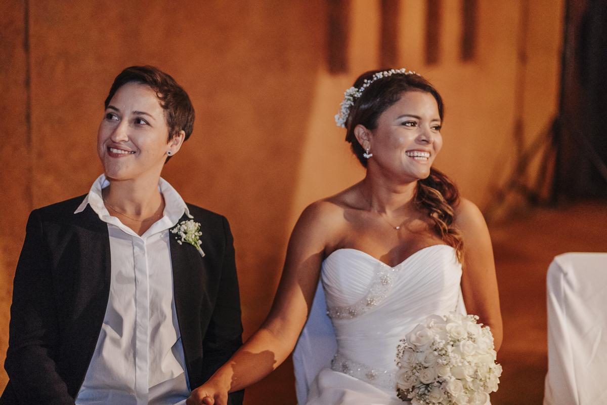 fotógrafo boda barcelona :: barcelona boda gay :: two brides wedding :: boca Can Cortada