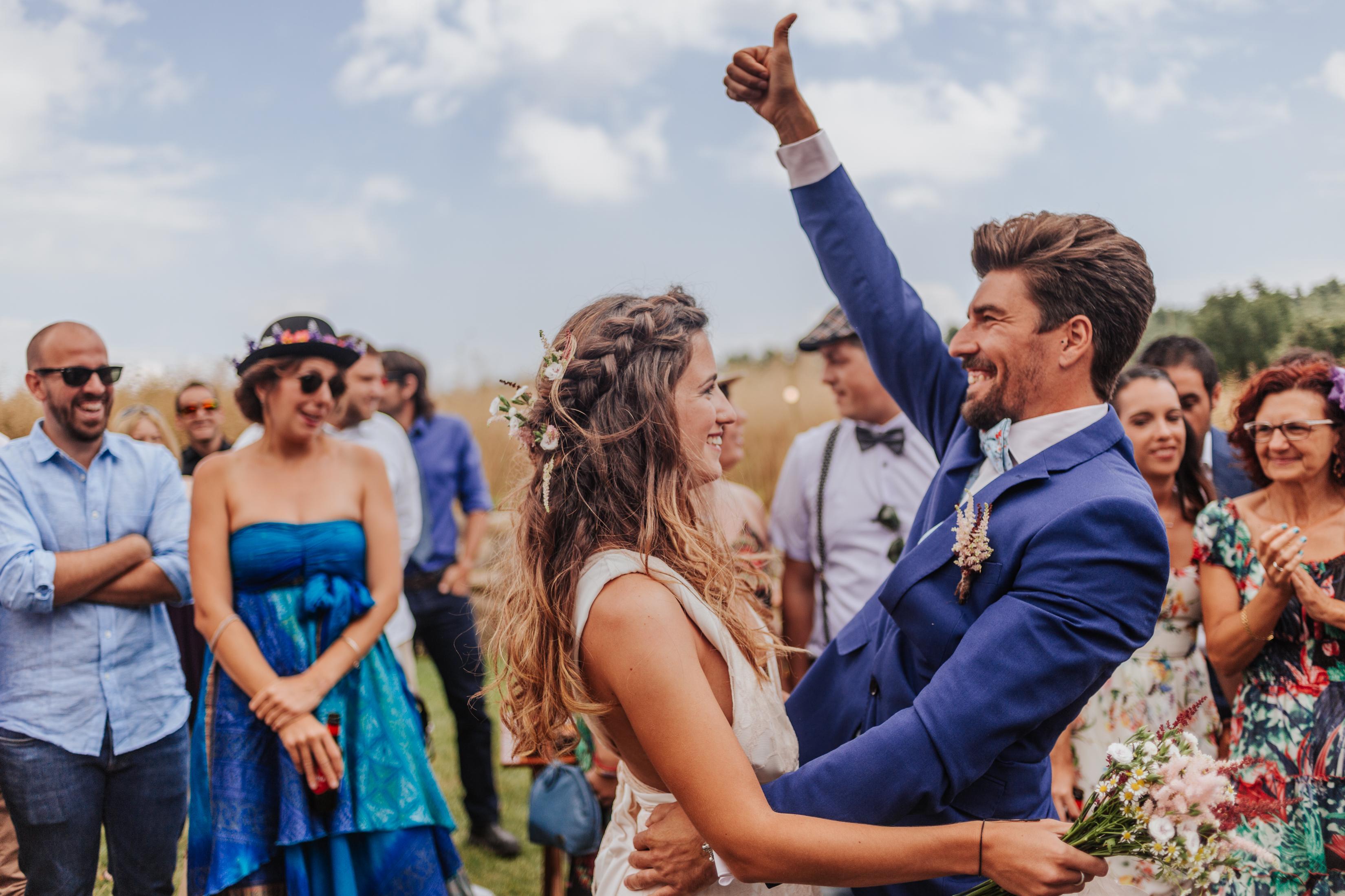 fotógrafo de bodas :: boda en el campo :: boda en masía :: casaments al bosc :: nómades :: boda diferente :: boda al aire libre :: fotógrafo de bodas barcelona :: boda en berga :: fotógrafo de bodas berga
