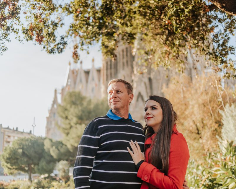 Fotógrafo de pareja Barcelona. Ensaios para turistas en Barcelona. Reportaje de Pareja